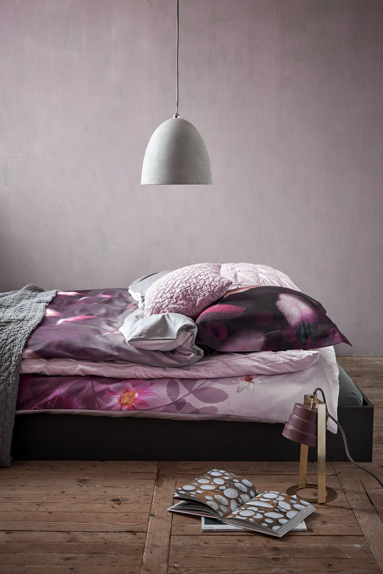 Vandyck Bubbling Feathers  000 Multi, Passion 022 Aubergine, Home 73 008 Light pink, Pure 10 144 Sepia pink and 426 Steel grey